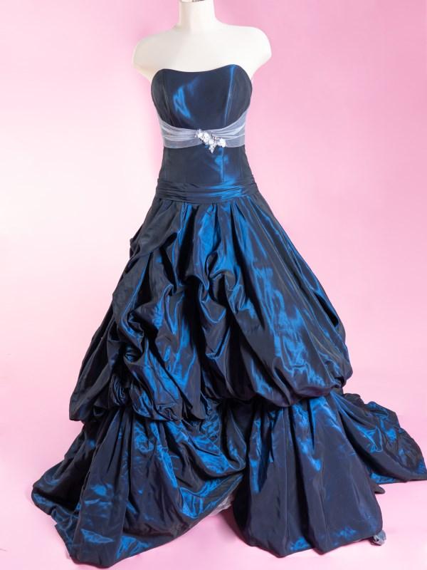 Abito da sposa in taffeta blu